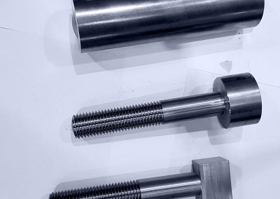 Tapered-Head-Bolt